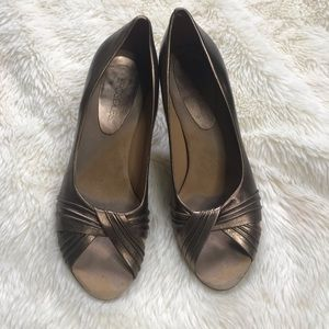 Aerosoles Copper peep toe heels Sz 8
